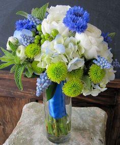 Wedding Bouquet/Centerpiece    http://teamoflowers.blogspot.com/2011/06/studio-life-mint-juleps-cornflower.html