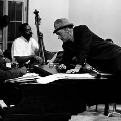 Frank Sinatra & Count Basie = ♪ <3 Too.  Much.  Love.  ♪ <3 ♪ <3