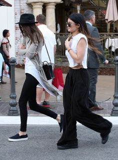 la modella mafia models off duty street style 2014 - Kendall and Kylie Jenner