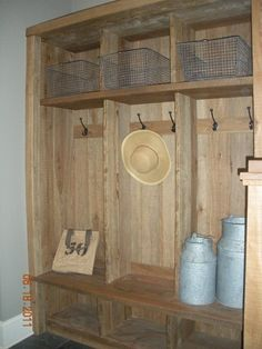 A rustic, shabby chic mudroom from pallets and crates. Like the wire baskets too! Shabby Chic Homes, Barn Wood, Weathered Wood, Pallet Wood, Pallet Ideas, Decoration, Home Projects, Home Improvement, Sweet Home