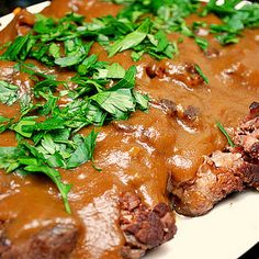Sauerbraten (German-style Pot Roast) @keyingredient #delicious