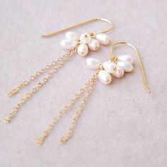 Pearl Cluster Earrings #pearl #earring  http://www.loveitsomuch.com/