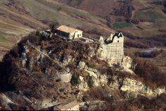 @ProvinciadiRE: #TheGreatBeauty in Italy is everywhere: Castello di #Matilde a #Canossa  #ITisME