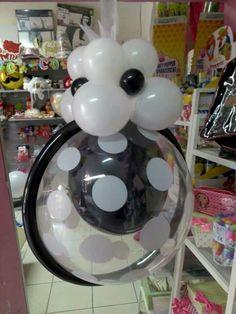 excellent idea for a ceiling pendant Wedding Balloon Decorations, Balloon Centerpieces, Wedding Balloons, Baby Shower Centerpieces, Balloon Stands, Love Balloon, Balloon Flowers, Hanging Balloons, Giant Balloons