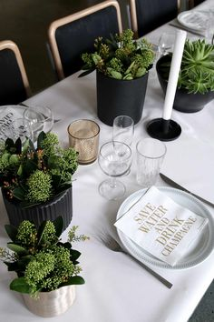 Desert Table, Serving Utensils, Beautiful Interior Design, Table Arrangements, Food Presentation, Candle Making, Event Decor, Corporate Events, Table Settings