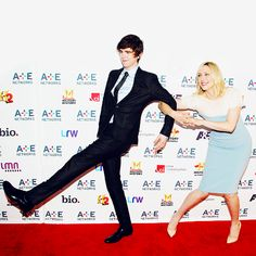Freddie Highmore - Vera Farmiga - red carpet