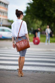 Po prostu sam styl. Dobry, klasyczny, kobiecy. Street Fashion, Street Style, Bags, Urban Fashion, Handbags, Urban Taste, Fashion Street Styles, Street Style Fashion, Totes