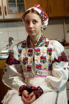 Mária Horváthová a svadobný kroj z Polomky. - Wedding dress from Polomka