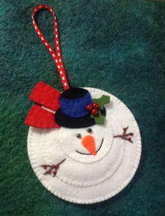 Felt snowman Christmas hanging ornament: