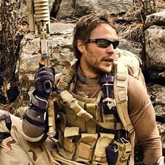 "Movie ""Lone survivor"" 2013 - Director: Peter Berg. Taylor Kitsch as Michael Murphy."