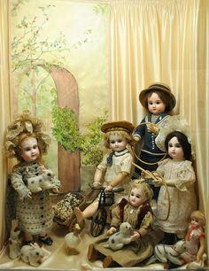 Galina Zaharova art dolls: Puppet Museum in Paris. Музей кукол в Париже ( (Musée de la Poupée) Victorian Dolls, Antique Dolls, Vintage Dolls, Doll Museum, Son Chat, Doll Display, Half Dolls, Bear Doll, Creepy Dolls