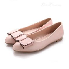 Shoespie Bownot Flat Loafer From the Plus Size Fashion Community at www.VintageandCurvy.com