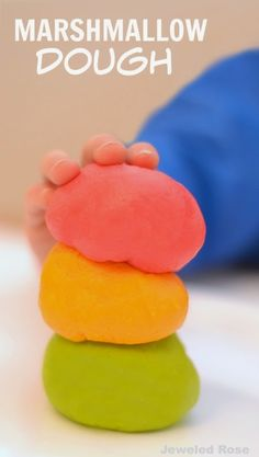 Play dough made from marshmallows - now that's just too fun! I can only imagine how this feels! {Taste-safe & ready in minutes!}