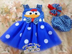 ROUPINHA GALINHA PINTADINHA Lottie Dottie, 2nd Birthday Parties, Diy Clothes, Baby Dress, Party Time, Diy And Crafts, Kids Outfits, Girls Pageant Dresses, Popsicle Stick Crafts
