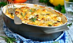 These chicken casserole recipes give you a fresh take on a dinner staple. From lemon-herb to rice and cheese, get delicious chicken casserole ideas. Healthy Casserole Recipes, Low Carb Chicken Recipes, Mexican Food Recipes, Cooking Recipes, Healthy Recipes, Dinner Recipes, Easy Recipes, Copycat Recipes, Baked Chicken Fajitas