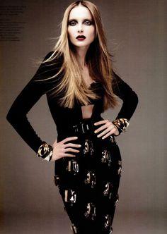 ebony and gold fashion  | Keep the Glamour | BeStayBeautiful