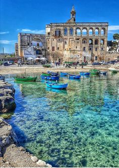 San Vito - Polignano a mare - Puglia - ITALIA - Patrones Tutorial and Ideas Places Around The World, The Places Youll Go, Travel Around The World, Places To See, Around The Worlds, Italy Places To Visit, Vacation Places, Dream Vacations, Vacation Spots