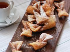 """Calzones Rotos (Chilean Fried Pastries) 