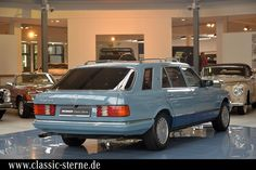 Merecedes-Benz 500 SEL, Horizontblau/ Dunkelblau, Conversion in Japan. Mercedes Benz Germany, Mercedes 300, Merc Benz, Mercedes Benz Maybach, Flower Car, Benz S Class, Classic Mercedes, Collector Cars For Sale, Shooting Brake