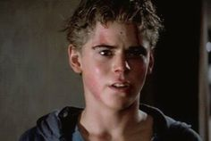men Its really nice how Pony actually cared a lot for Johnny and Dally. About Dally, he knows when he goes emotional or freaking out. Willie Nelson, Really Hot Guys, Cute Guys, The Outsiders Preferences, The Outsiders Ponyboy, Ralph Macchio, Image Film, Stay Gold, Cute Actors