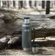 Stanley Classic Hammertone Vacuum Flask with Handle Vacuum Flask, All Is Well, Hot Coffee, Things To Come, Handle, Make It Yourself, Classic, Derby, Classic Books