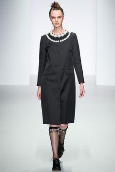 Simone Rocha Slideshow on Style.com