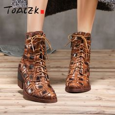 b6a501eec3e4 Autumn winter new individual Martin boots female genuine leather lace-up  chunky heel short boots Retro single Boots