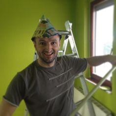 Tomi örül, hogy fest