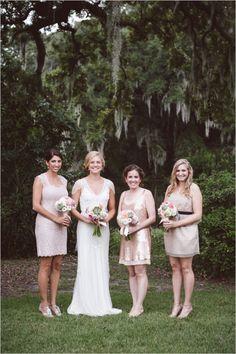 Eco Friendly wedding that doesn't compromise style. Captured By: Amelia + Dan Photography #weddingchicks http://www.weddingchicks.com/2014/07/29/locally-sourced-charleston-wedding/