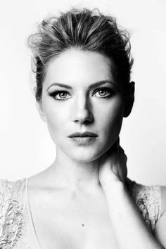 Is Katheryn Winnick Married or In a Relationship, Who is Her Husband or Boyfriend – Celebrities Woman Katheryn Winnick Vikings, Vikings Lagertha, Artiste Martial, Actrices Hollywood, Black And White Portraits, Hollywood Celebrities, Poses, Most Beautiful Women, Pretty Woman