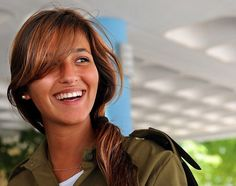 Israel is the only country where military service is mandatory for both men and women. Beautiful Women Of The Israeli Defense Force Israeli Female Soldiers, Idf Women, Pretty Females, Brave Women, Military Women, Girls Uniforms, Beautiful Women, Beautiful Smile, Beautiful People