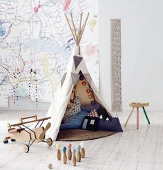 teepee and enormous map on the wall. #kids #decor
