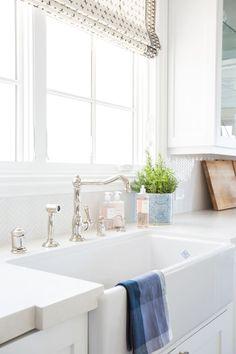 mycie plytek w lazience czyste fugi czyszczenie kafli srodkami czystosci
