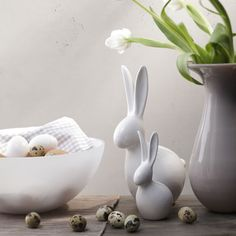 White ceramic easter bunnies