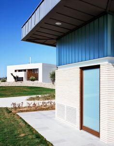 #Exterior #contemporaneo #edificios via @planreforma #fachadadiseñado por Delsur Arquitectos   Arquitecto