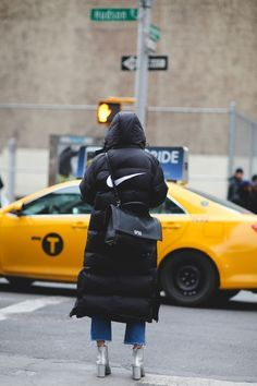 Lessons In Layering From The Streets Of New York City #refinery29  http://www.refinery29.com/2016/02/103173/ny-fashion-week-fall-winter-2016-street-style-pictures#slide-175  This fashion week: Just do it. ...