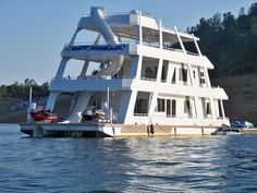 Water slide house boat! Oh the times that would be had on that!