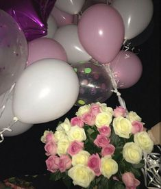 Р Diy Gifts For Friends, Bff Gifts, Foto Snap, Bunch Of Red Roses, Cute Braces, Pastel Quotes, Book Flowers, Snapchat Picture, Mirror Pic