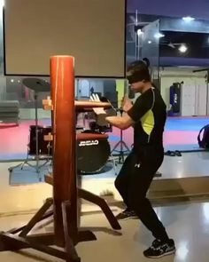 Martial Arts Wing Chun, Kung Fu Wooden Dummy Training