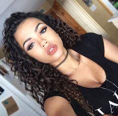 want my hair to look this good and this curly
