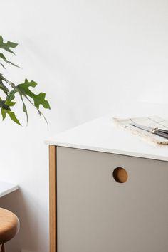 La cuisine scandinave & minimaliste de Camilla Bækvad - Frenchy Fancy Parquet Chevrons, Camilla, Decoration, Floating Nightstand, Copenhagen, Fancy, Interior, Table, Furniture