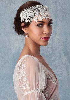 Mi Amour Hairpiece | Modern Vintage Bridal