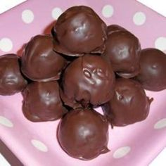Rice Crispy Peanut Butter Balls ( I have to try this sounds yummy! )