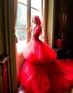 red gown valentino - Buscar con Google
