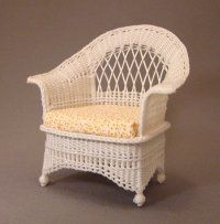Uncle Ciggie's Miniature Wicker Furniture and Wicker Baskets are meticulously handcrafted in One Inch, Half Inch, and Quarter Inch Scale for miniature collectors and dollhouse miniature enthusiast. Dollhouse Miniature Tutorials, Miniature Crafts, Diy Dollhouse, Miniature Dolls, Dollhouse Miniatures, Fairy Furniture, Barbie Furniture, Miniature Furniture, Dollhouse Furniture