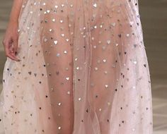 Couture and Class Runway Models, Runway Fashion, High Fashion, 90s Fashion, Dress Fashion, Fashion Beauty, Fashion Trends, Style Haute Couture, Chiffon