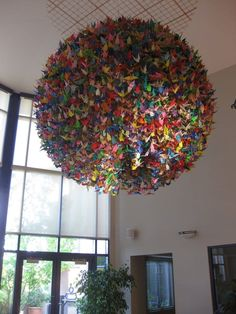 Anya R.'s photo of Ronald McDonald House - origami cranes! Hanging Origami, Origami Lights, Origami Mobile, Origami Lamp, Origami Paper, Origami Cranes, Oragami, Home Crafts, Diy And Crafts