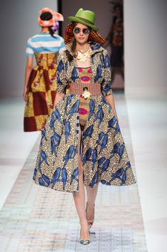 Stella Jean at Milan Fashion Week Spring 2014 - Runway Photos African Inspired Fashion, African Men Fashion, Africa Fashion, Ethnic Fashion, Unique Fashion, Fashion Design, Ankara Fashion, African Women, Stella Jean