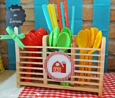 Un blog repleto de ideas creativas Party Animals, Farm Animal Party, Farm Party, Cowboy Party, Diy And Crafts, Crafts For Kids, Farm Cake, Safari, 2nd Birthday Parties
