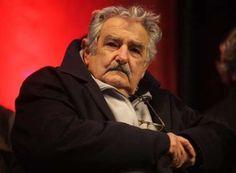 """MUJICA CRITICO LA ALIANZA DEL PACIFICO: """"NOS JUGAMOS EL PORVENIR""""   """"No me quiero integrar con los competidores sino con los demandantes El ex Presidente de Uruguay señaló los aspectos inconvenientes de la alianza. Nosotros somos productores de alimentos y Estados Unidos es un formidable productor agrícola. No me quiero integrar con los competidores sino con los demandantes afirmó.El ex presidente de Uruguay José Pepe Mujica afirmó que el Mercosur está lleno de defectos y que su principal…"""